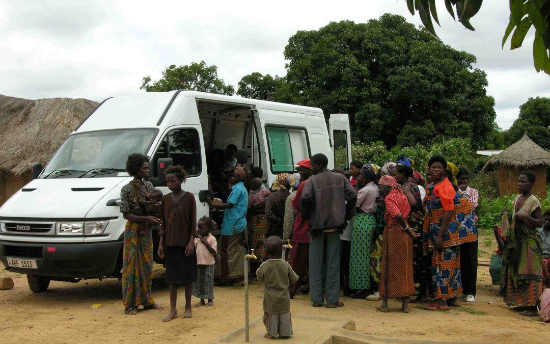 Gates confronts HIV & AIDS crises in Africa: WOW Mobile Medical Clinics one practical solution!